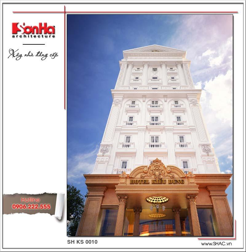 Cận cảnh mặt tiền khách sạn được trang trí bắt mắt, tạo sức hút lớn