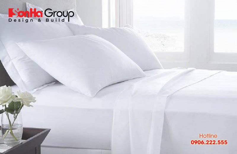 Một yếu tố khác quyết định rất lớn tới chất lượng của những chiếc ga ở khách sạn hay dùng trong gia đình chính là chất liệu. Cũng như sản phẩm chăn, gối đệm khác thì ga trải giường có bền đẹp, thoải mái khi sử dụng hay không phụ thuộc vào chất liệu.